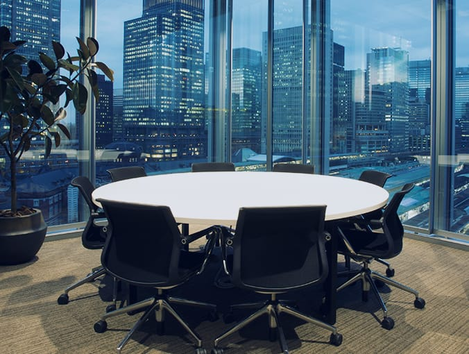 高いセキュリティを備えたハイグレードな会議室と応接室を完備