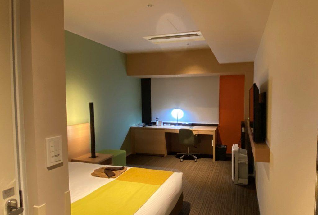 ホテルの客室で仕事してみました!